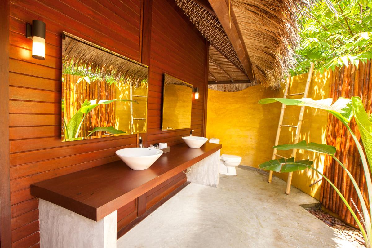 bathroom bali villa
