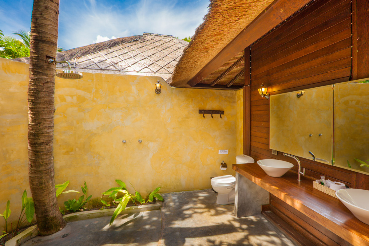 bali style outdoor bathroom
