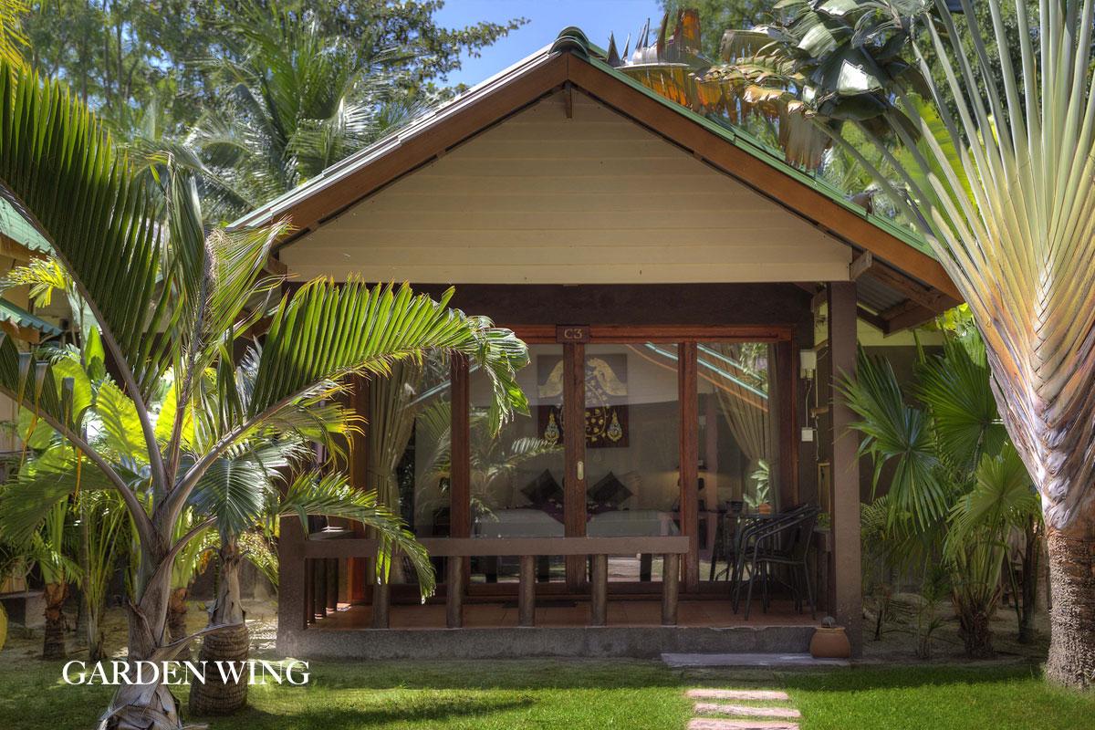 garden beach front villa 2
